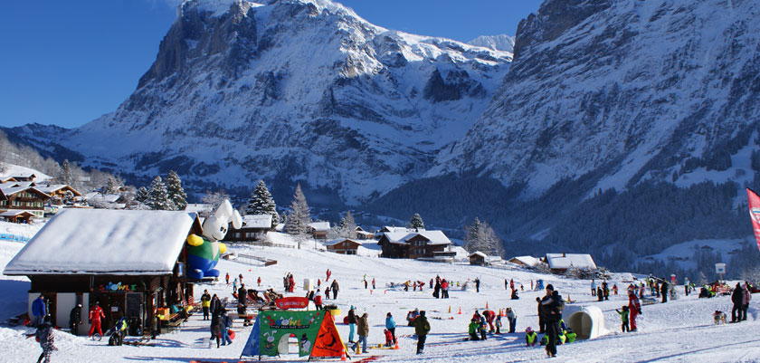 Switzerland_Jungfrau-ski-region_Grindelwald_Ski-school-mountain-view.jpg